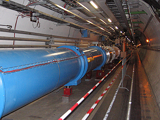 LHC-Tunnel im CERN